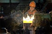 Die Auftragslage ist gut, die Margen sind stark unter Druck: Ein Blick in die Produktion der Swiss Steel AG in Emmenbrücke. (Bild: Pius Amrein / Neue LZ)