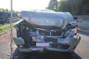 Drei Autos wurden beschädigt, vier Personen verletzt. (Bild: Zuger Polizei (Menzingen, 22. August 2017))