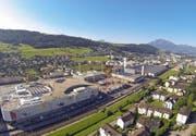 Die Mall of Switzerland in Ebikon: Für die Verantwortlichen ist die Verlängerung der Buslinie 1 «essenziell». (Bild René Meier)