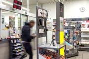 Soll geschlossen werden: Die Poststelle Schönbühl in Luzern. (Bild: Nadia Schärli (Luzern, 8. Februar 2017))