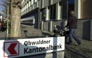 Beim Hauptsitz der Obwaldner Kantonlabank in Sarnen. (Bild Josef Reinhard/Neue OZ)