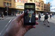 Ein Pokémon-Go-Spieler in Melbourne, Australien. (Bild: EPA / Julian Smith)
