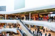 Blick in die Mall Of Switzerland. (Bild: Manuel Lopez (Keystone))