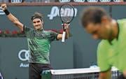 Federer jubelt, nachdem er Nadal in 68 Minuten deklassierte. (Bild: Imago (Indian Wells, 15. März 2017)