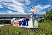 Franz Julen am Hauptsitz von Intersport in Bern. Der Walliser wird noch bis Ende Jahr die Geschäfte des Sportartikelhändlers leiten. (Bild Roger Grütter)