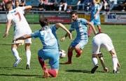Die Zuger mit Captain Davide Palatucci (am Ball) überzeugen im Abstiegskampf gegen den FC Muri. (Bild: Stefan Kaiser (Muri, 30. April 2017))