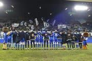 Der FC Luzern bedankt sich bei den Fans für die Unterstützung. (Bild: Martin Meienberger / Freshfocus (Luzern, 25. Februar 2018))