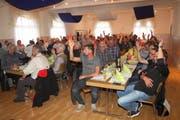 Abstimmung an der Delegiertenversammlung 2017 des Fischereiverbands Kanton Luzern. (Bild: PD)