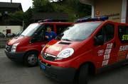Archivaufnahme vom Feuerwehrgebäude und Einsatzwagen der Feuerwehr in Sarnen. (Bild: Archiv)