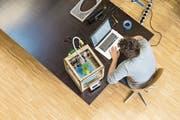 Mit 3D-Druckern können Prototypen von Produkten entwickelt werden. (Bild: Gaetan Bally/Keystone)