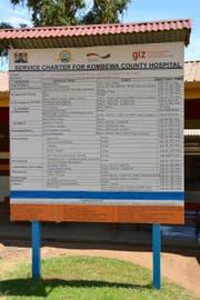 So viel kostet die diversen Behandlungen im Spital von Kombewa. 100 kenianische Schilling entsprechen etwa einem Franken. (Bild: Yasmin Kunz (Kombewa, Kenia, 30. November 2017))
