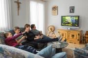 Die meisten Schweizer Kabelnetzkunden beziehen ihr Angebot bei UPC Cablecom. Kleine Anbieter mischen aber erfolgreich mit. (Bild: Keystone/Elisabeth Real)