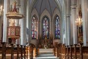 Die farbigen Fenster des Glasmalers August Wanner sind eine Besonderheit der Kirche St. Konrad in Grosswangen. (Bild: Boris Bürgisser / Neue LZ)