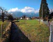Der Dorfbach wird an den Rand der Rossmätteli-Parzelle verlegt. (Bild Urs Hanhart)