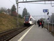 Beim Bahnhof Küssnacht am Rigi werden neue Schienen verlegt. (Bild Laura Zambelli/Neue SZ)