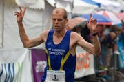 Fabian Kuert aus Langenthal gewann den 12,2 km Lauf. (Bild: Beat Blättler)