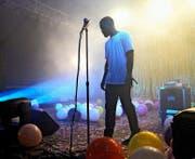 Nicht nur bei den Alben geht Frank Ocean (28) eigene Wege. Auch Konzerte gibt er selten. Hier eine Ausnahme 2014 in Amerika. (Bild: Getty)
