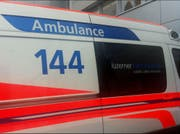 Der verletzte Skateboarder musste mit der Ambulanz ins Spital gefahren werden. (Symbolbild: Ernst Zimmerli)