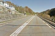 Hier rumpelts: Die Übergangsstelle zwischen den Bauelementen sorgt für Lärmemmissionen. (Bild: Google Streetview)