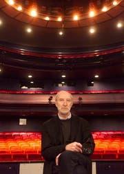 Horst Statkus im Jahre 1999 im Luzerner Theater, welches er zwölf Jahre lang geleitet hatte. (Bild: Archiv Neue LZ)