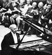 Arthur Rubinstein am Flügel in Luzern im Jahre 1964. (Bild: Archiv Neue LZ)