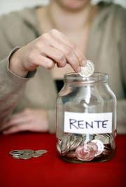 Im Kanton Obwalden sollen die Rentenbeiträge für Arbeitnehmer und Arbeitgeber erhöht werden. (Symbolbild Philipp Schmidli)