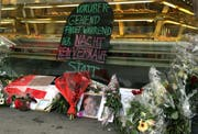 Blumen und Kerzen am Tatort in Kriens. (Bild Chris Iseli/Neue LZ)