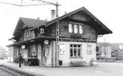Der alte Ebikoner Bahnhof im Jahr 1991. (Bild: PD)