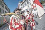 Die Obwaldner Fahne wird hochgehalten. (Bild: Pius Amrein (Sarnen, 30. April 2017))