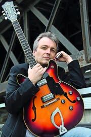 Der Roots-Gitarrist als Romancier des Blues: Richard Koechli veröffentlicht seinen ersten Roman. (Bild: PD/Mathias Haehl)
