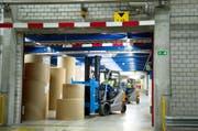 Ein Blick in die Produktion der CPH Chemie + Papier Holding AG in Perlen. (Bild: Corinne Glanzmann / Neue LZ)