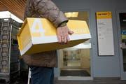 Die Poststelle Vitznau schliesst. Ab dem 21. März müssen Kunden ihre Pakete in den Volg bringen. (Bild Dominik Wunderli)