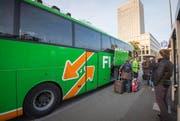 Fernbusse sollen auf gewissen Strecken auch innerhalb der Schweiz fahren. (Archivbild)