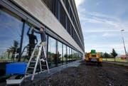 Neubauten wie hier das Bürogebäude «Vorzug» ziehen die Firmen eher an. Themenbild. (Bild: Stefan Kaiser / Neue ZZ)