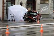 In der Stadt Luzern nahm die Zahl der Unfälle ab. Im Bild: Ein Unfall mit tödlichen Ausgang vor einem Jahr bei der Pauluskirche. (Bild: Boris Bürgisser / Neue LZ)