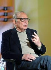 «Mein Job hilft mir, Fortschritte zu machen», sagt Ennio Morricone auch noch mit 87 Jahren. (Bild: Keystone)
