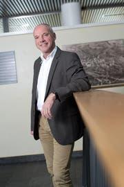 Menzingens Gemeindepräsident Peter Dittli äussert sich zur Abstimmung über die Schule Finstersee (Bild: Maria Schmid)