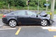 In Dagmersellen fuhr ein Automobilist in einen Pfosten. (Bild: PD/Luzerner Polizei)