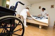 Ein Blick in ein Pflegeheim (Symbolbild). (Bild: Keystone)