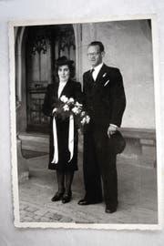 Die Täterin: am Tag ihrer Hochzeit vor der Wesemlinkirche neben ihrem Gatten.
