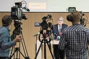 Stand gestern im Scheinwerferlicht: Post-Präsident Urs Schwaller. (Bild: Peter Schneider/Keystone (Bern, 8. März 2018))