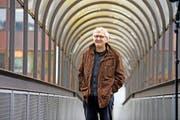 Hans Gantenbein (64) vor dem Gemeindehaus in Emmen. Kurz vor Weihnachten hatte er seinen letzten Arbeitstag als Leiter des Baudepartements.