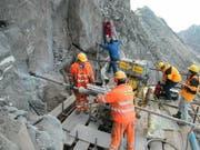 Nahe der Bergstation Gemsstock wurde ein Loch gebohrt. Dort wird die Temperatur des Felsens gemessen. (Bild pd)
