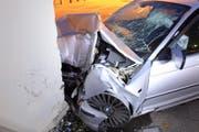 Vier Personen wurden beim Aufprall verletzt. (Bild: Luzerner Polizei (Luzern, 1. November 2017))