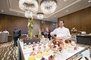 Köche aus verschiedenen Nationen arbeiten im Bürgenstock-Hotel. (Bild: Eveline Beerkircher (Luzerner Zeitung))