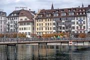 Die Fassade des «Schiffs» an der Reuss. Bild: Pius Amrein (Luzern, 17. Oktober 2016)