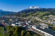 Kriens Süd – zugleich Luzern Süd – mit den beiden Grossbaustellen Mattenhof und Schweighofpark. (Bild: Philipp Schmidli, 22. April 2017)
