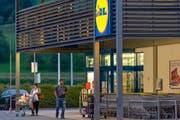 Im Lidl in Küssnacht SZ ist einkaufen bis 20 Uhr möglich. (Bild: Christian H. Hildebrand / Neue ZZ)