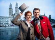 Steffi Buchli moderiert in diesem Jahr zusammen mit Anthony Welbergen das Sechseläuten in Zürich. (Bild: SRF)