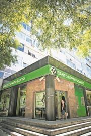 Eine Filiale der Banco Espírito Santo in Lissabon. (Bild: Mario Cruz/EPA (10. Juli 2014))